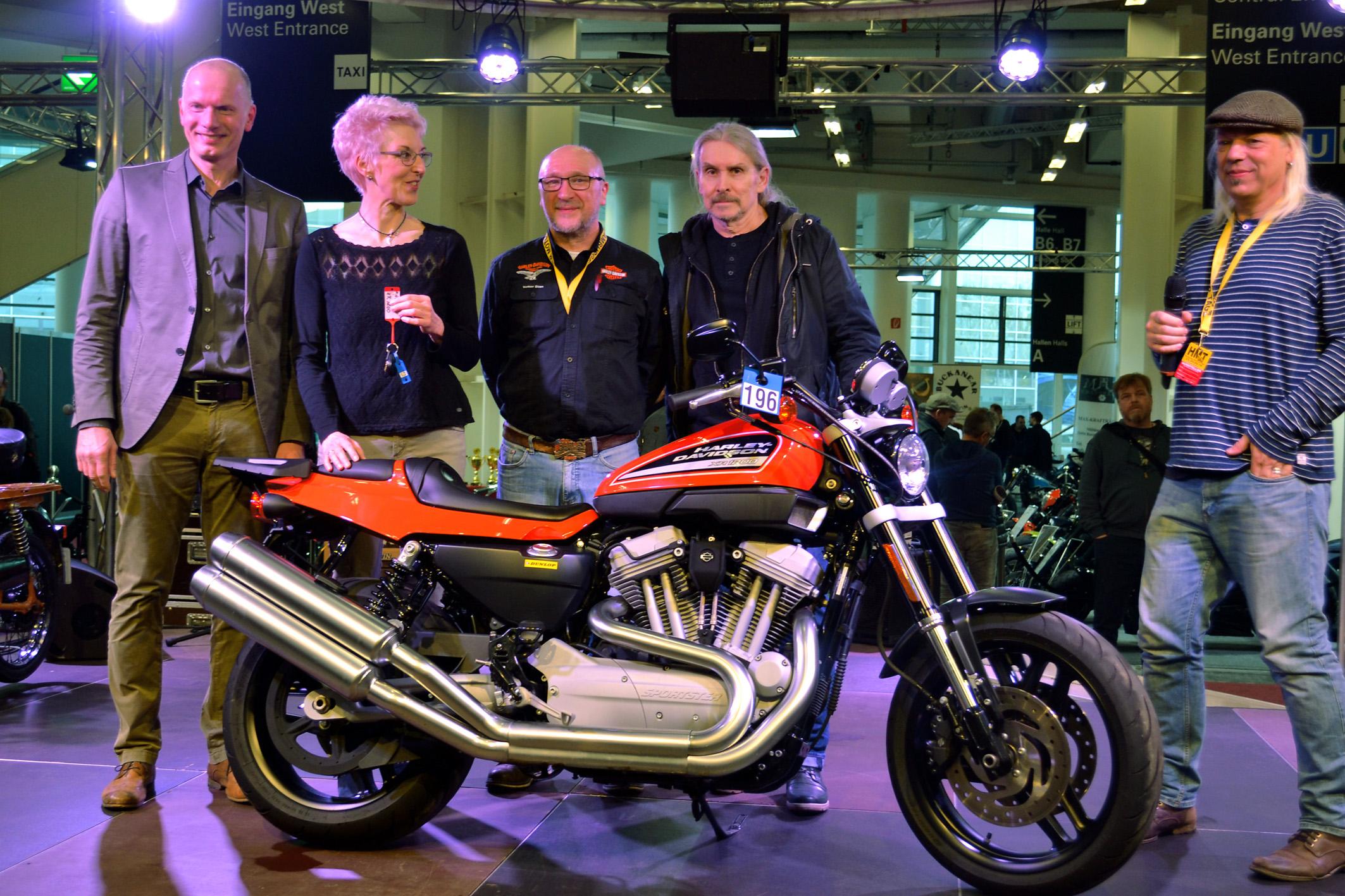 2018HDD05_Harley_Davidson_Hamburg_Nord_stiftet_Ausbildungsstaette_Motorrad